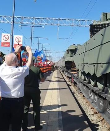 Красота! НОД встречает победный поезд в Уфе