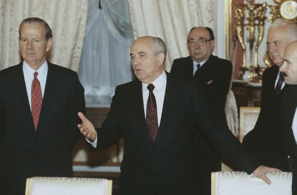 Чиновник поддержал народную инициативу горбачева под суд